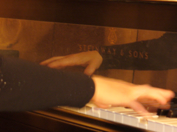 pianohands1